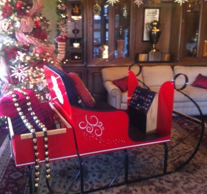 Santa sleigh on display at Lakeside Golf Course, Burbank, California 2012